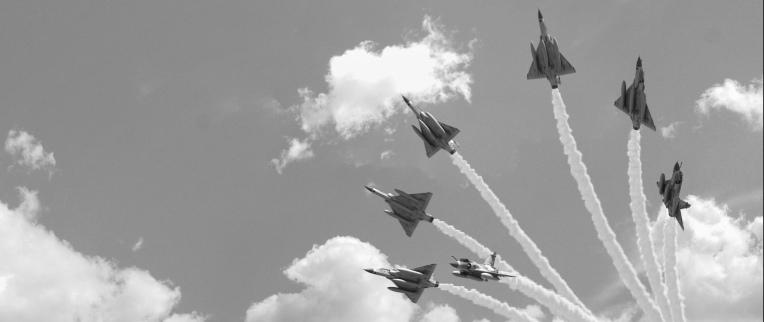 aerobatic_flight_sky_bw